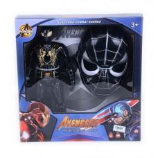 Маска и черен Спайдермен в кутия
